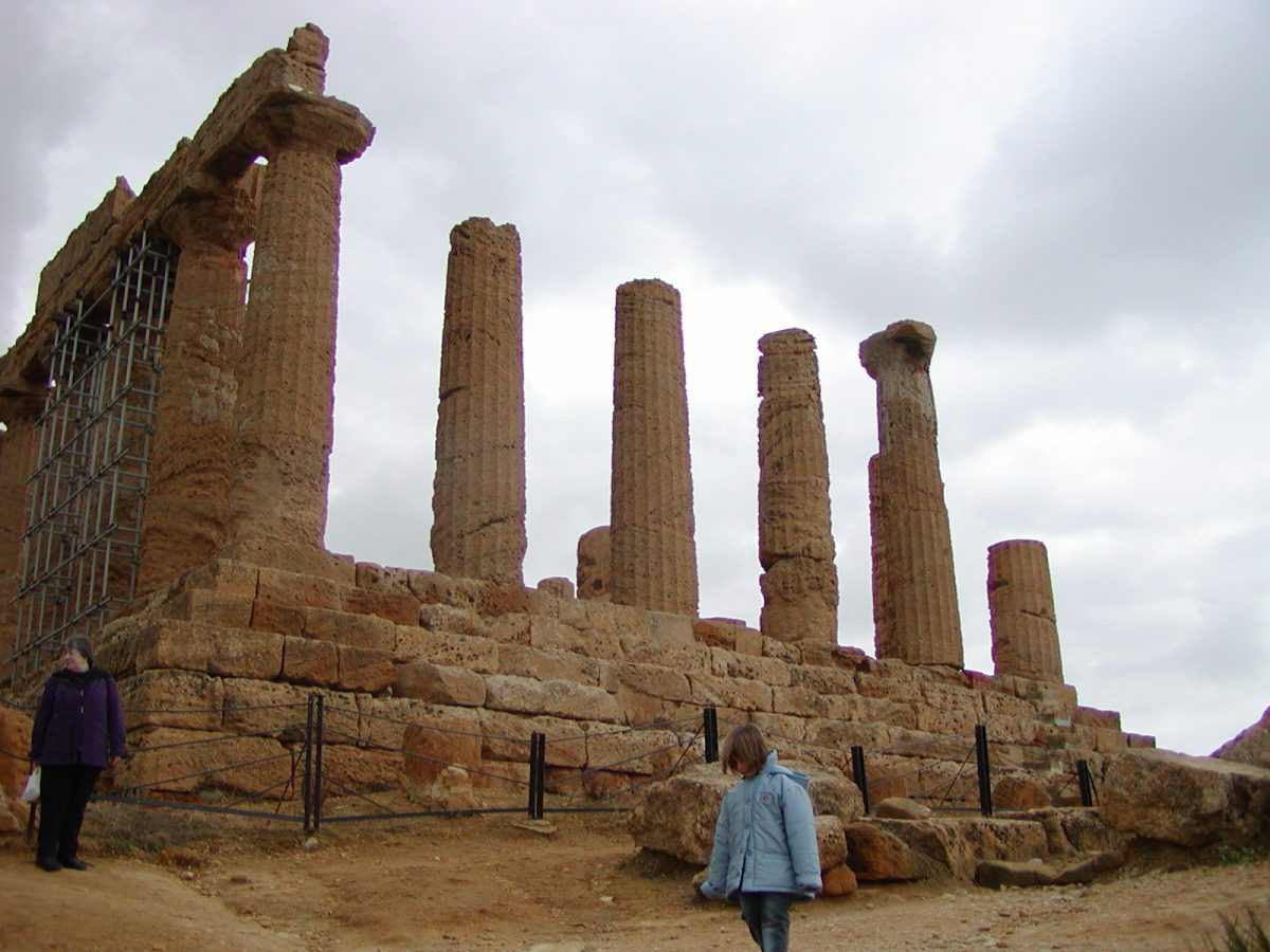 Valley of the Temples - 2003-12-28-115557