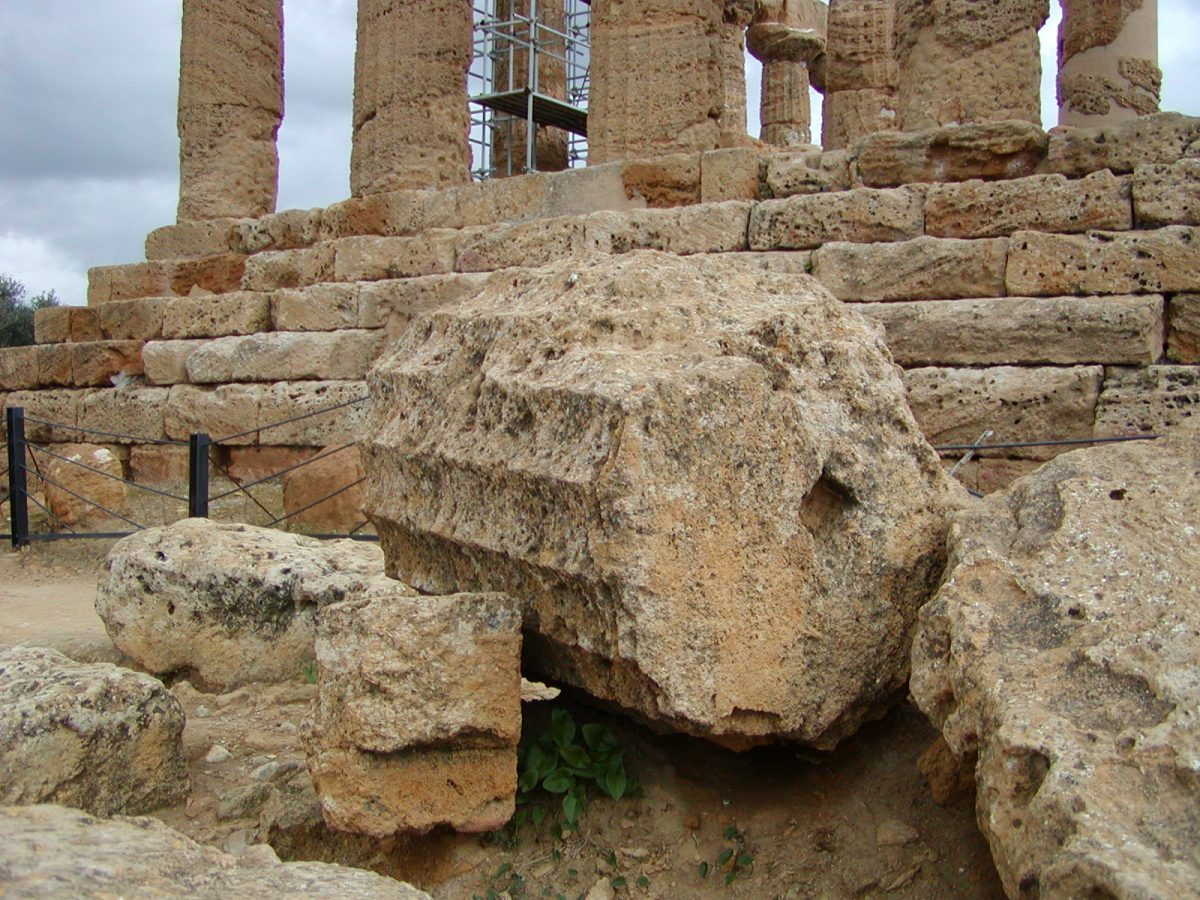 Valley of the Temples - 2003-12-28-115946