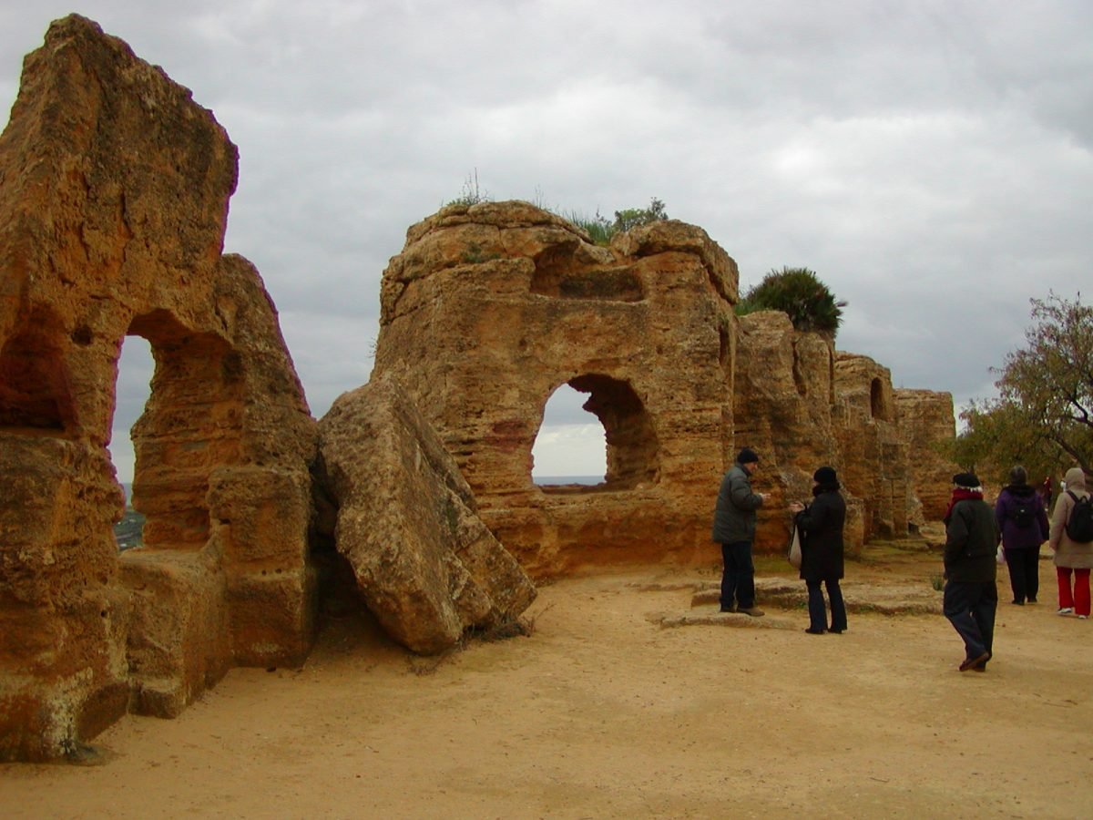 Valley of the Temples - 2003-12-28-122937
