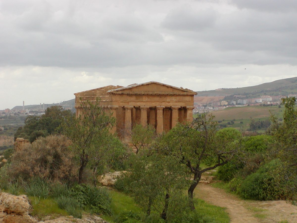 Valley of the Temples - 2003-12-28-124227