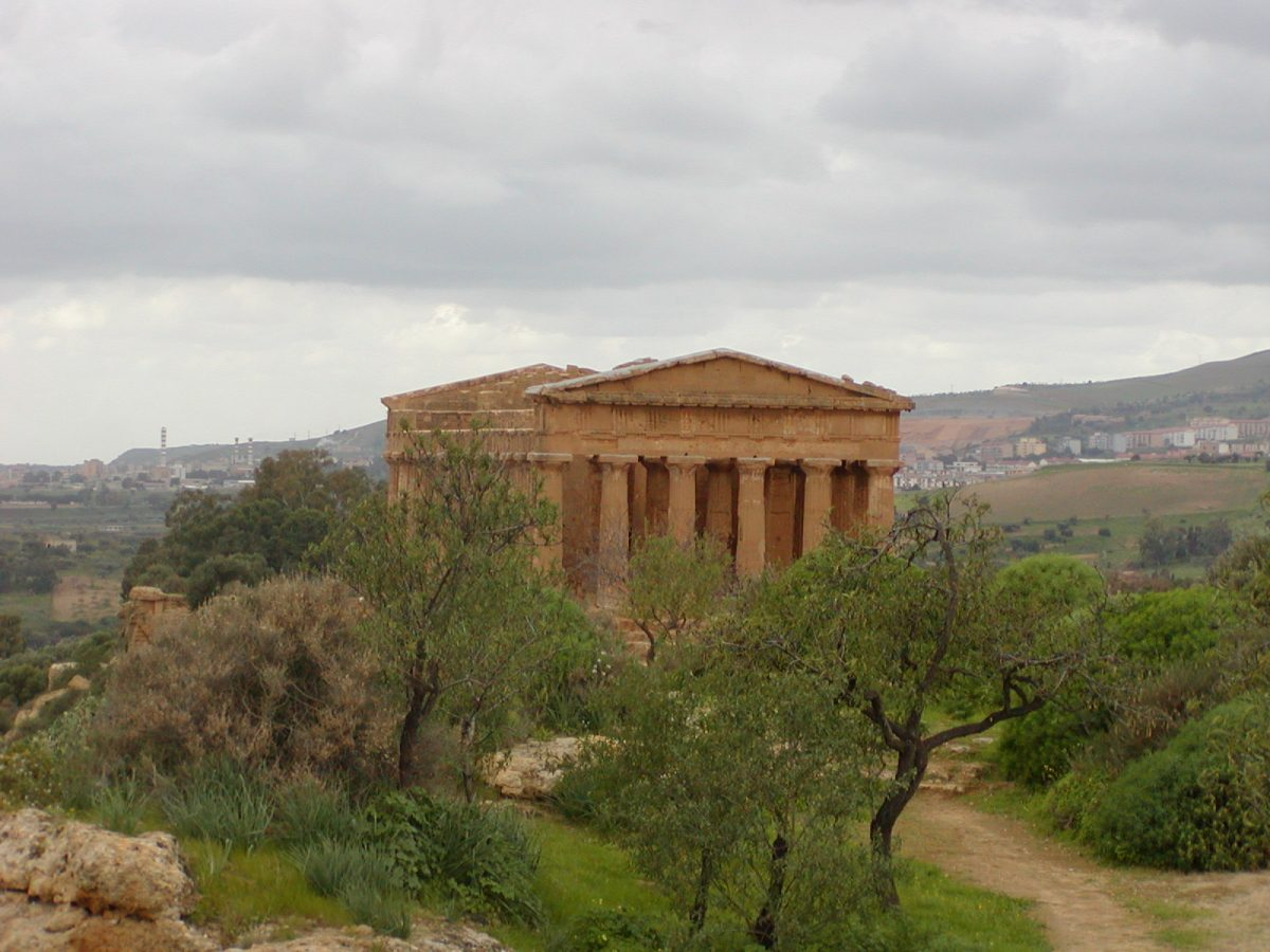 Valley of the Temples - 2003-12-28-124245