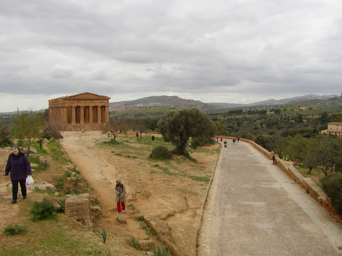 Valley of the Temples - 2003-12-28-124525