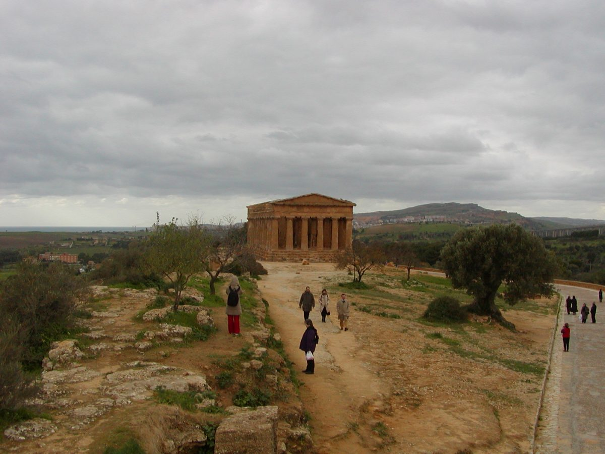 Valley of the Temples - 2003-12-28-125219