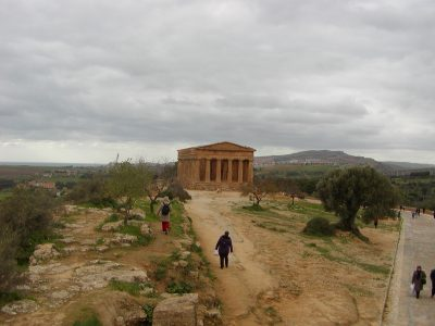 Valley of the Temples - 2003-12-28-125300