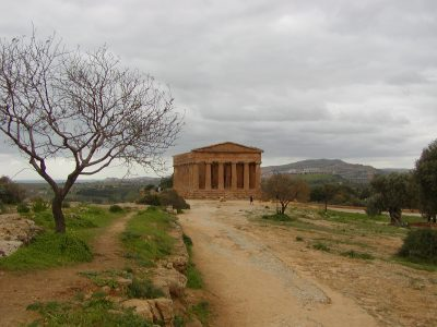 Valley of the Temples - 2003-12-28-125442