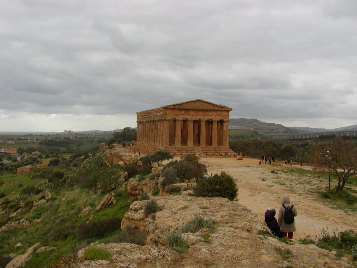 Valley of the Temples - 2003-12-28-125647