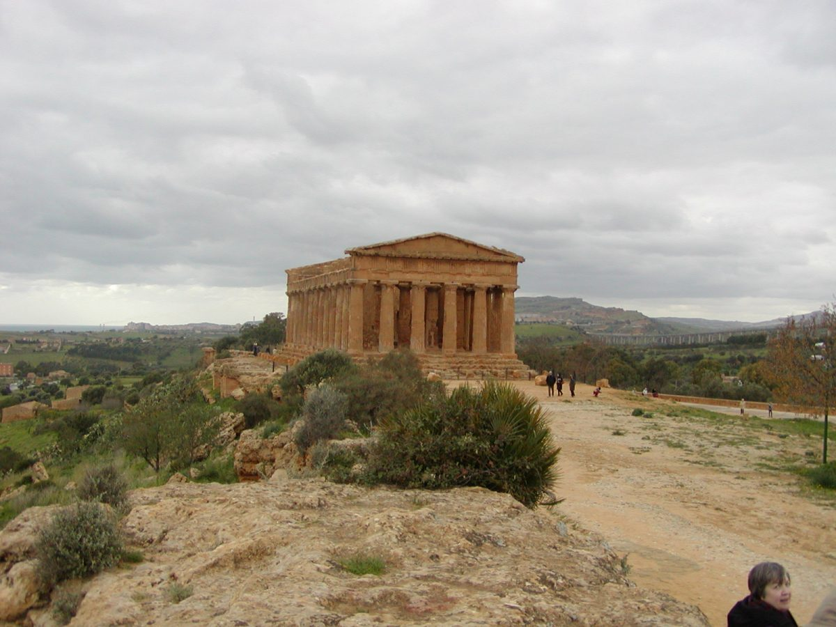 Valley of the Temples - 2003-12-28-125718