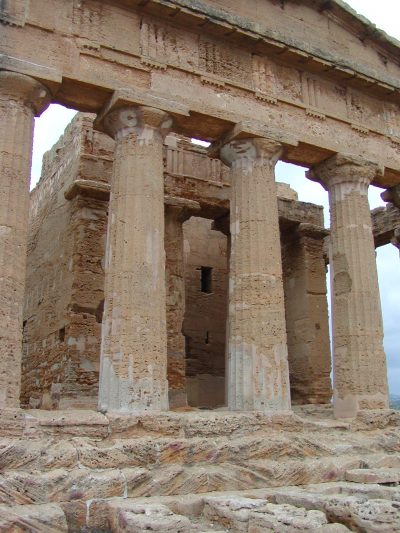 Valley of the Temples - 2003-12-28-131217
