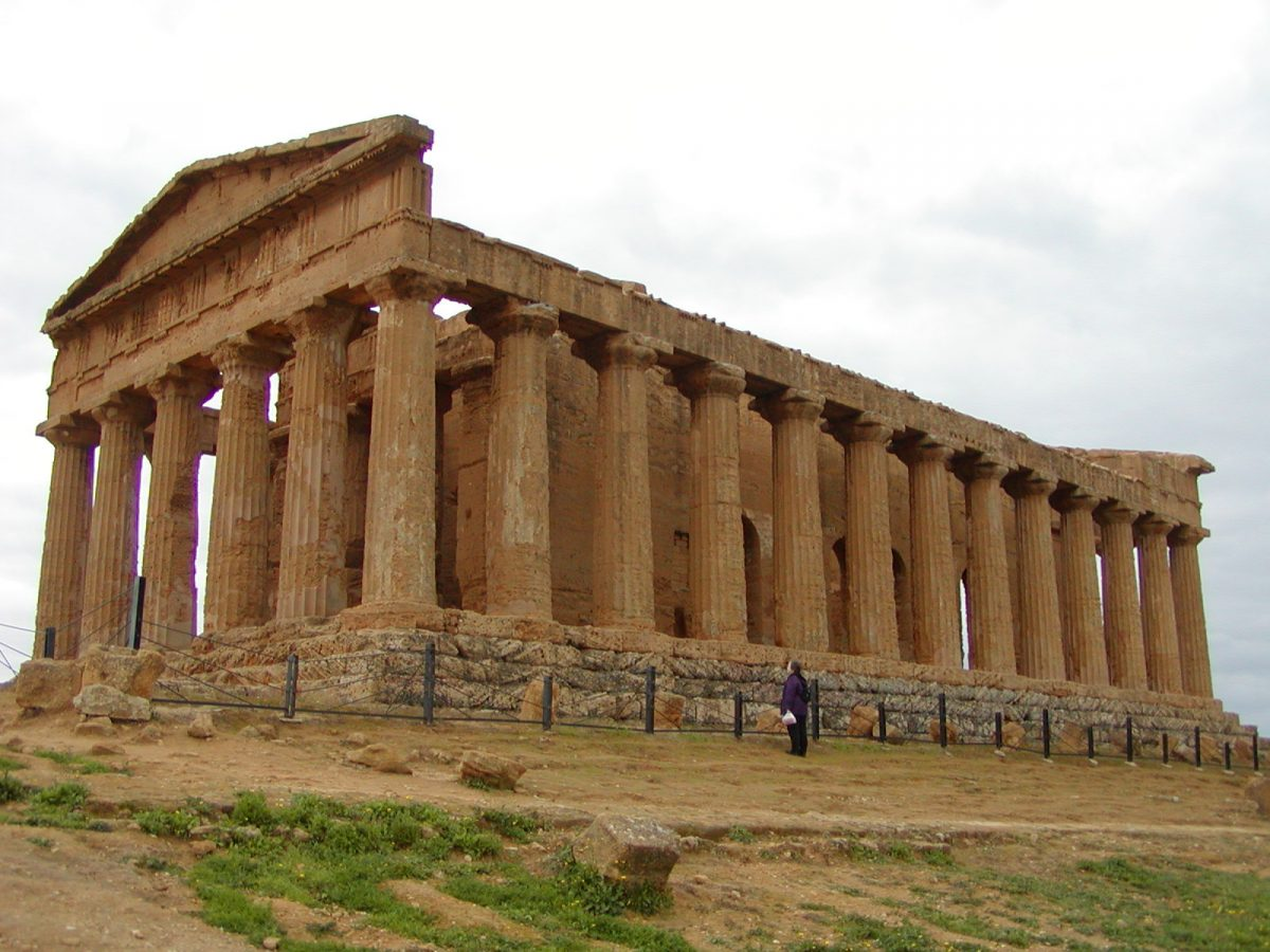 Valley of the Temples - 2003-12-28-131330