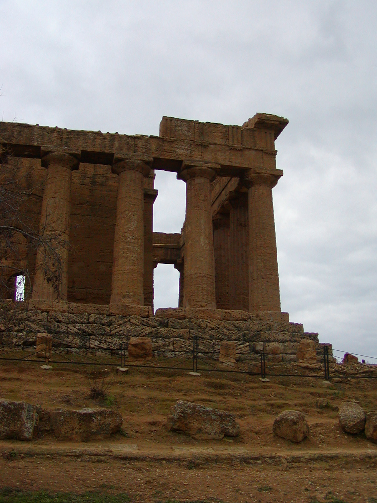 Valley of the Temples - 2003-12-28-131719