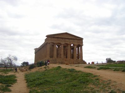Valley of the Temples - 2003-12-28-132141