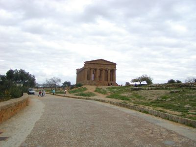 Valley of the Temples - 2003-12-28-132651