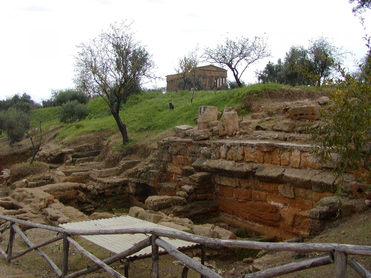 Valley of the Temples - 2003-12-28-132951
