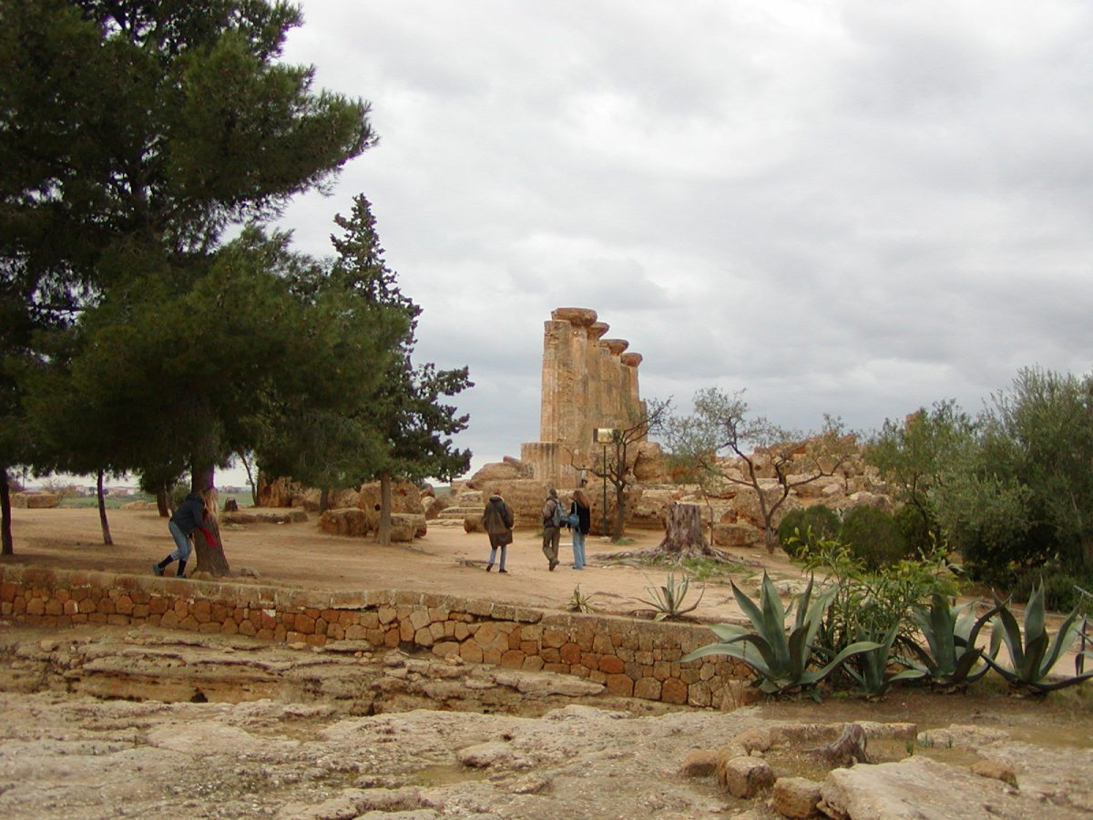 Valley of the Temples - 2003-12-28-134831