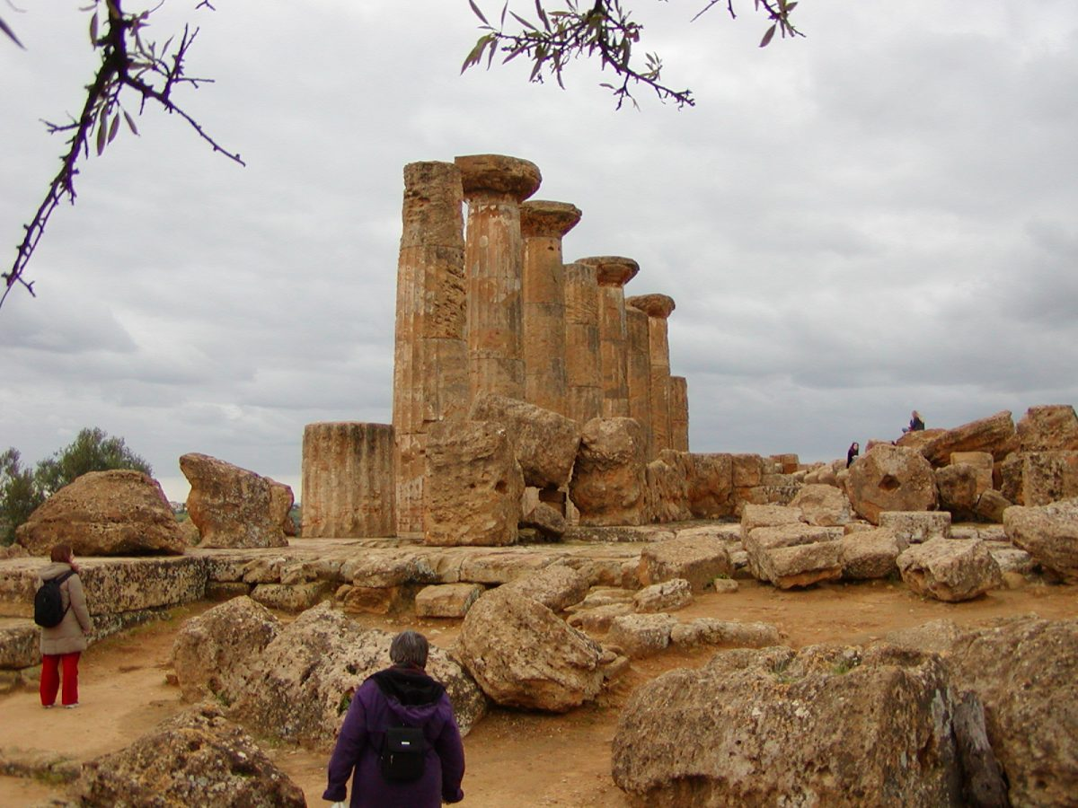 Valley of the Temples - 2003-12-28-135225