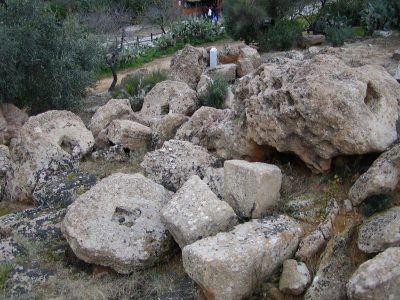 Valley of the Temples - 2003-12-28-140106
