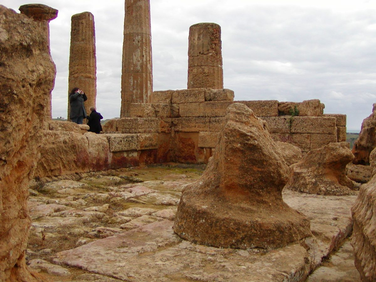 Valley of the Temples - 2003-12-28-142322