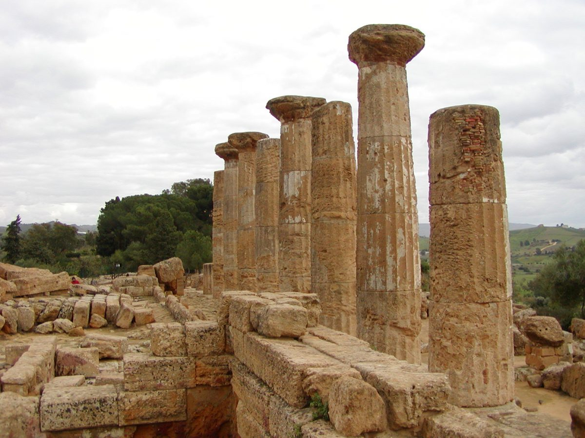 Valley of the Temples - 2003-12-28-142730