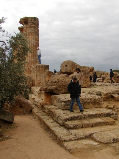 Valley of the Temples - 2003-12-28-143801