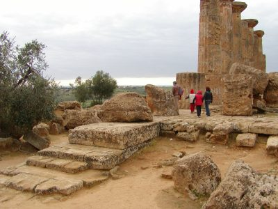 Valley of the Temples - 2003-12-28-144115
