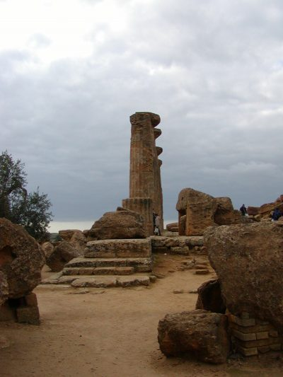 Valley of the Temples - 2003-12-28-144532