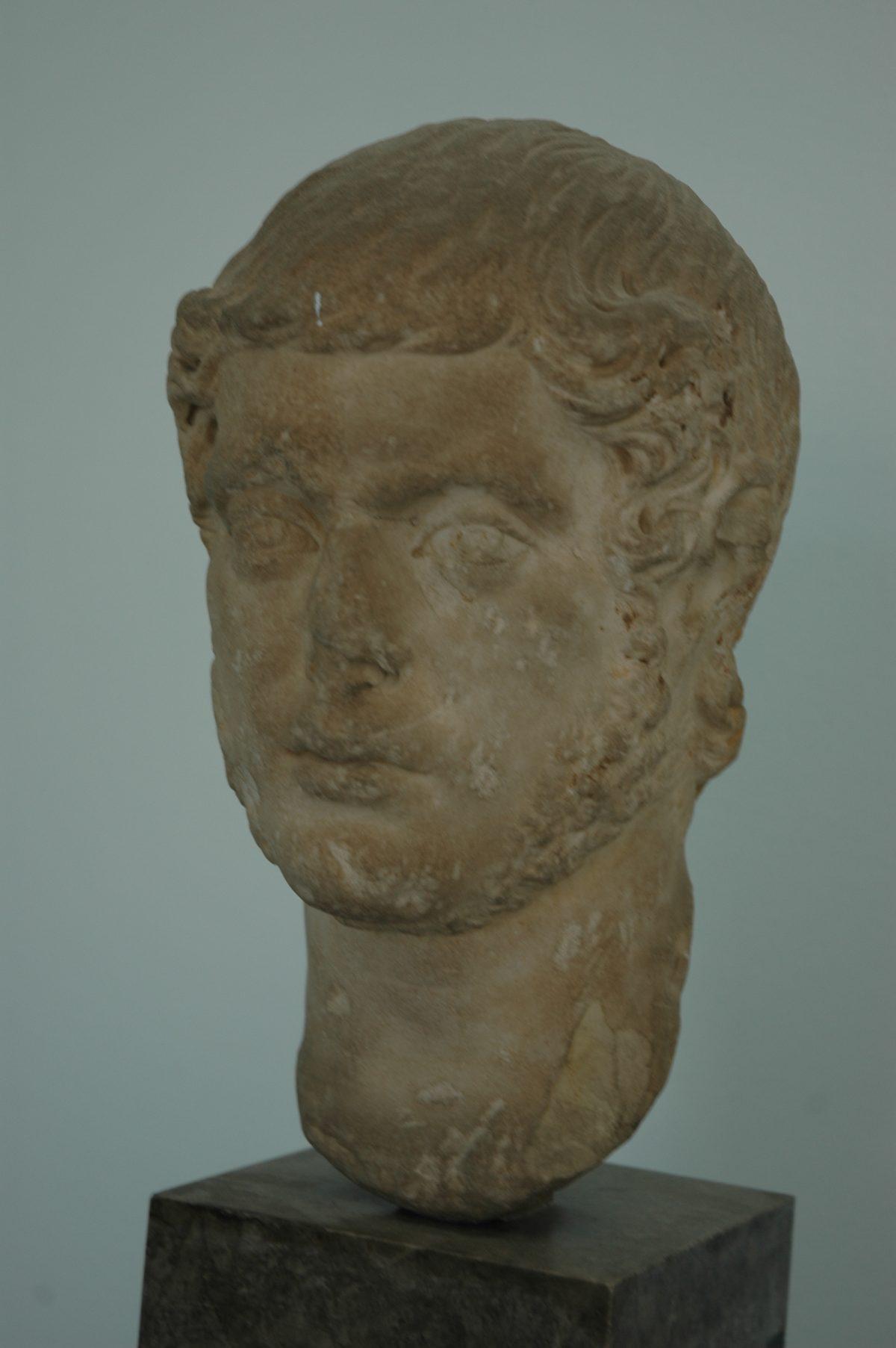 "Archeological Museum ""A. Salinas"" - 2005-07-20-115532"