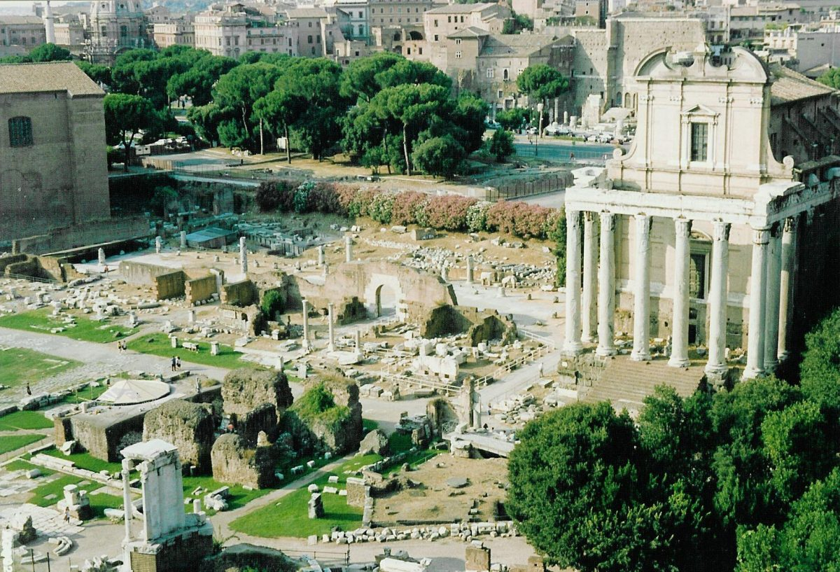 View of the Forum Romanum from the Palatine Hill - 1992-08-17-037