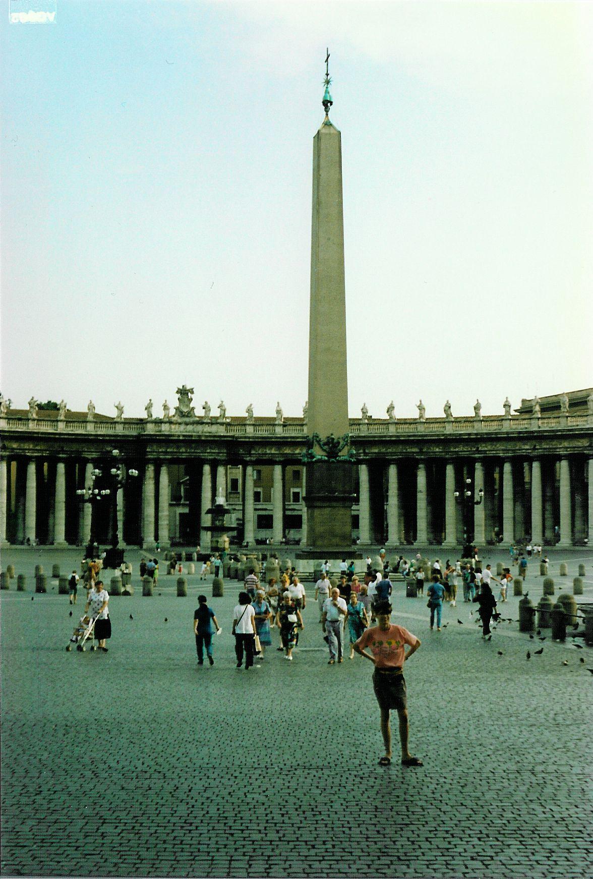 Saint Peter's Square - 1992-08-27-010